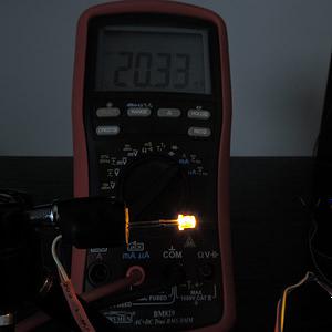 Dioda led płaska 3mm żółta 800mcd 140 st - pomiar