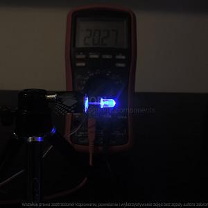 Dioda led 5mm niebieska przeźroczysta 5000-6000 mcd - pomiar