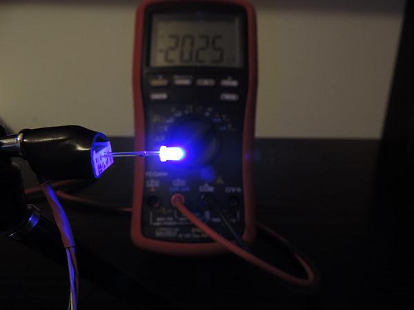 Dioda led 3mm niebieska dyfuzyjna - pomiary