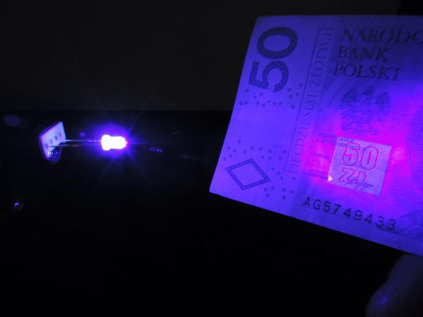 Dioda led 3mm UV 390-400nm 500mcd 3.4V 60st